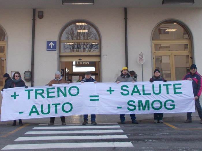 +treno -auto +salute -smog